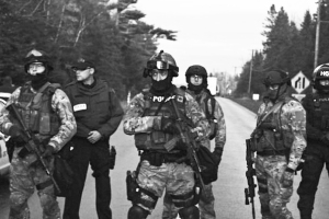 Anti-Terror-Elsipogtog-oct-17-2013-rcmp-ert-4